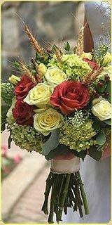 Украшение свадебного стола цветами