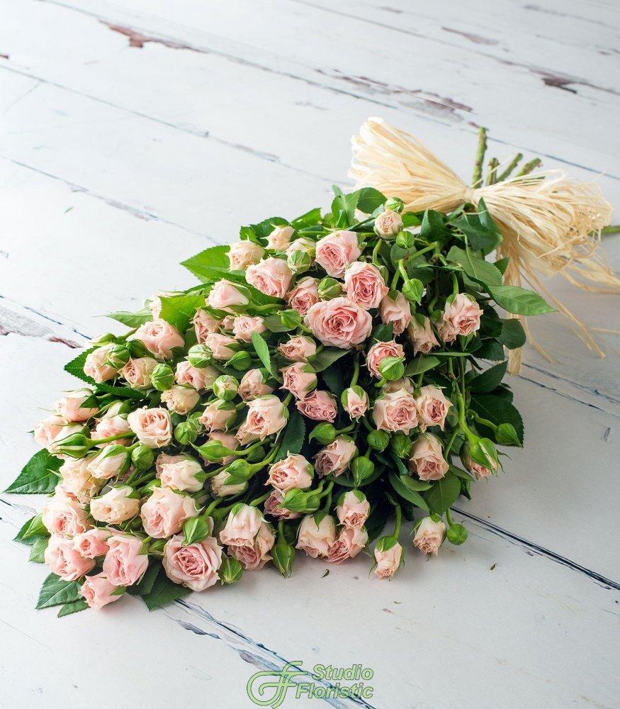 Букеты на праздник из роз уфа
